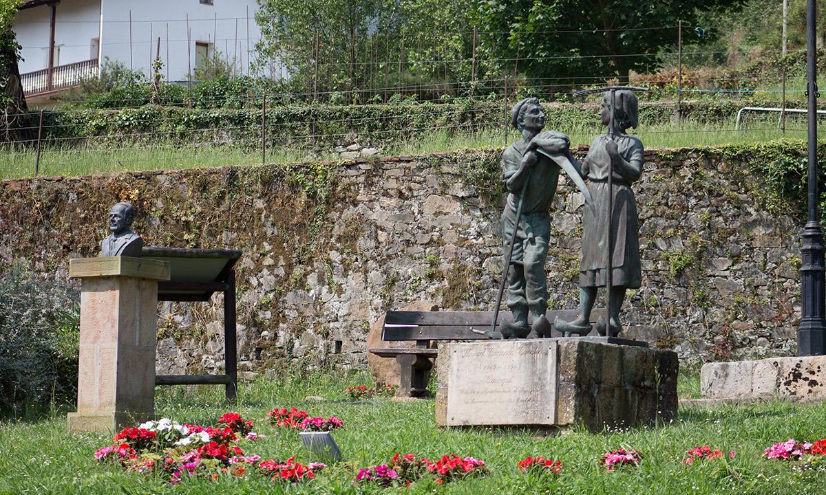 Estatuas - Ayuntamiento de Ampuero